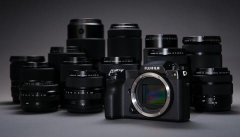 Pre-Order may anh Fujifilm GFX50s II - Mua som uu dai khung