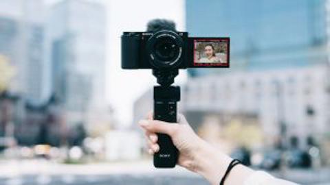 Pre-Order Sony ZV-E10 – Camera vlog moi nhat cua Sony