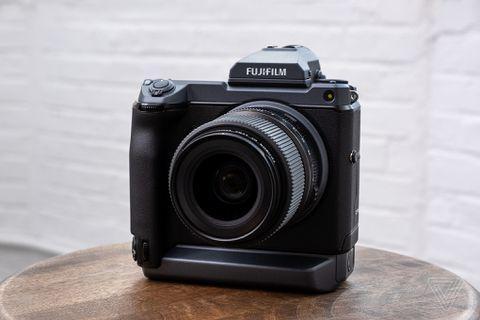 So sanh may anh Fujifilm GFX 50s vs GFX 50R vs GFX 50s II vs GFX 100 vs GFX 100s