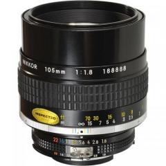 Nikon Nikkor Ai-S 105mm F1.8