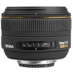 Sigma 30mm/1.4DC HSM for Nikon/ Canon